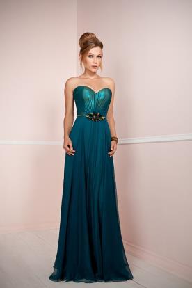 שמלת כלה בצבע אזמרלד עם חגורה מיוחדת
