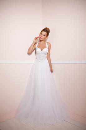 שמלת כלה עם מחוך תחרה וחצאית טול