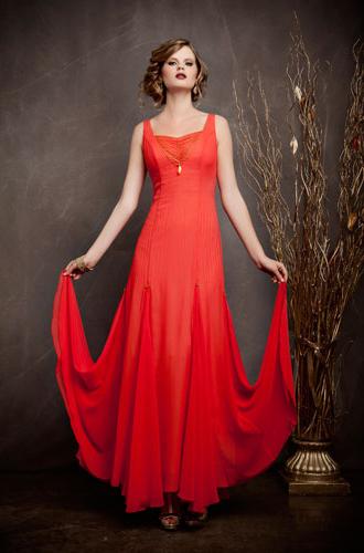 שמלת ערב מעוצבת באדום