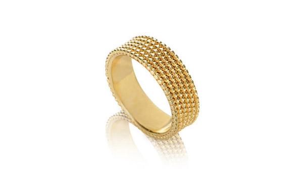 טבעת מעוטרת עיגולים עדינים