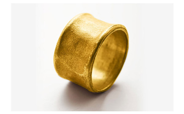טבעת עבה בעיצוב עדין