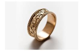 טבעת נישואין עם עיטורי תחרה