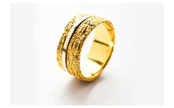 טבעת מחוספסת זהב צהוב