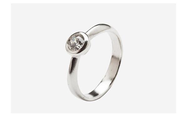 טבעת אירוסין עיגול משובץ