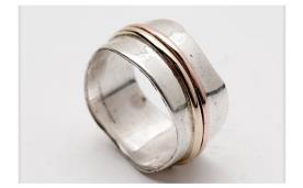 טבעת מעוטרת שני חישוקים
