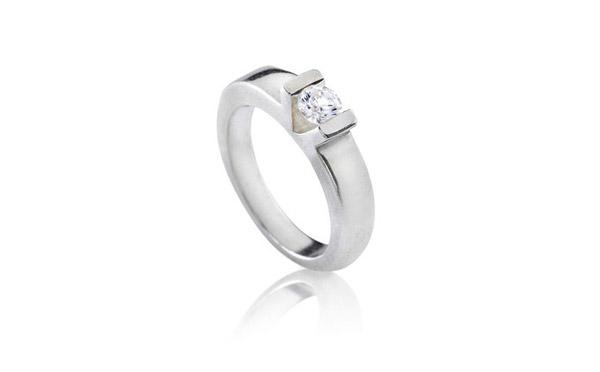 טבעת אירוסין רחבה קלאסית