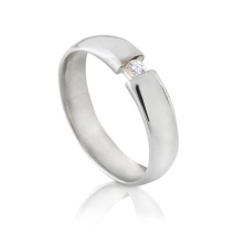 טבעת אירוסין אבן קטנה באמצע