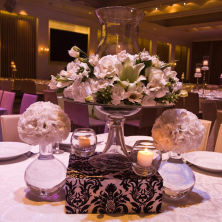 עיצוב שולחן נרות ופרחים