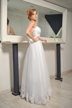 שמלת כלה נסיכתית גב פתוח ופפיון