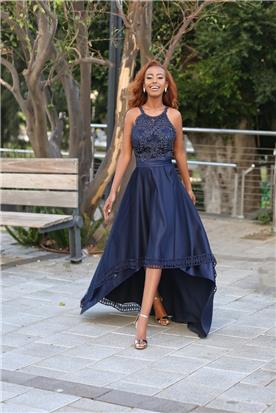 שמלה כחולה עם כתפיות