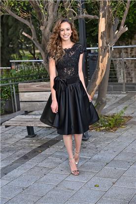 שמלה שחורה סאטן