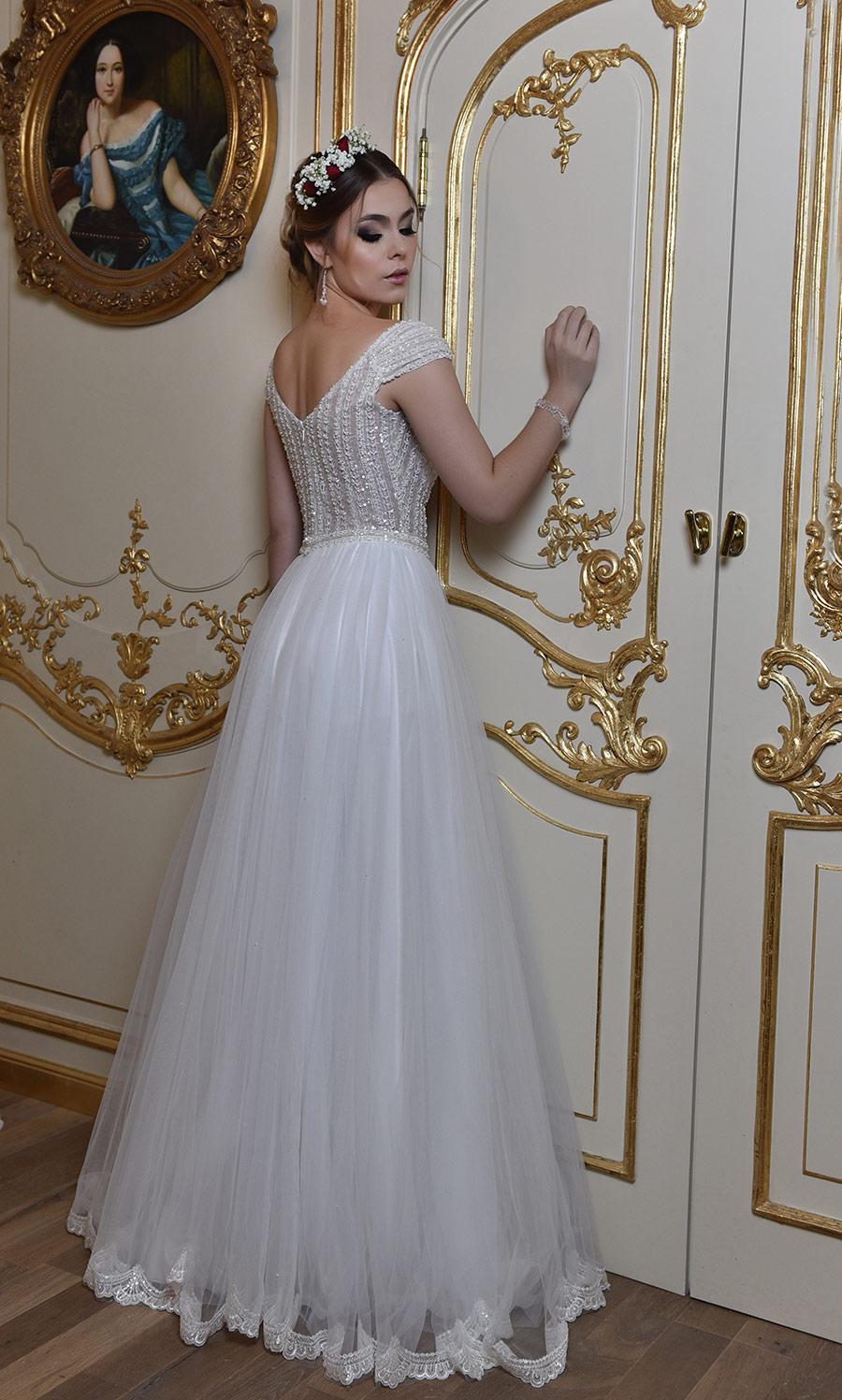 שמלת כלה נסיכתית מחורזת