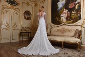 שמלת כלה שובל ארוך מיוחדת