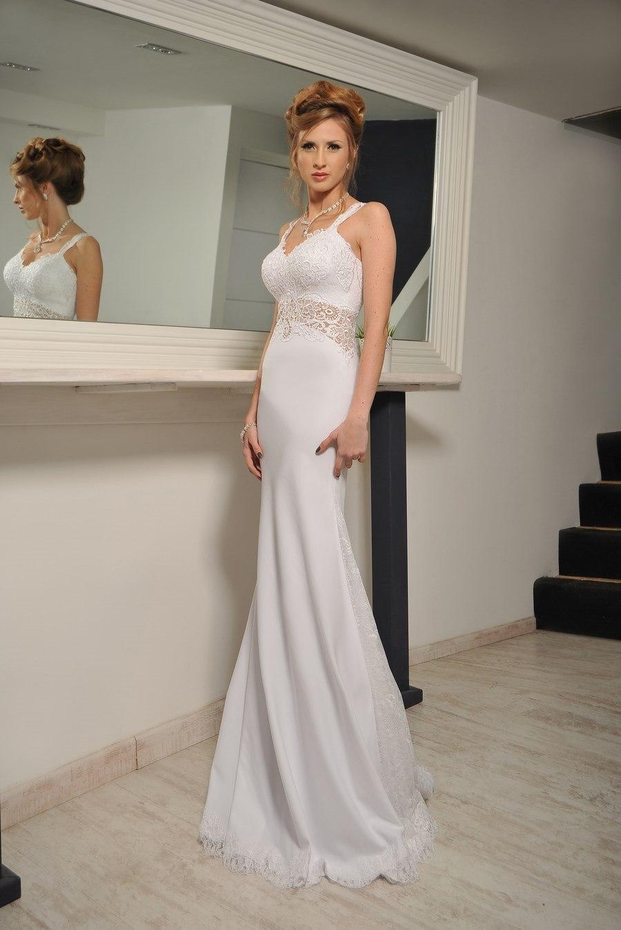 עידן בלבן שמלת כלה צמודה