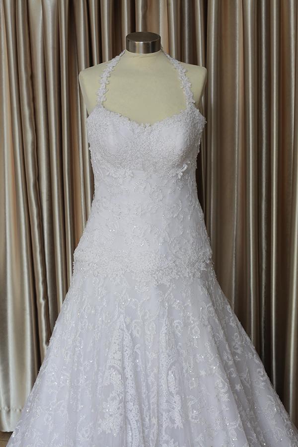 שמלת כלה קלאסית עם מחשוף
