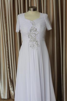 שמלת כלה שרוול קצר ועיטור כסוף