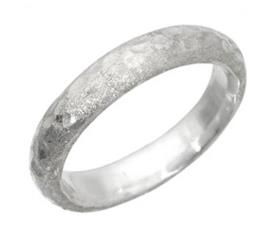 טבעת נישואין צרה ריקועים
