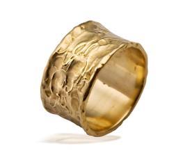 טבעת נישואין ריקועי אדמה