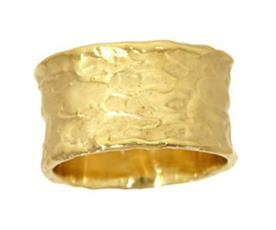 טבעת נישואין רחבה מרוקעת