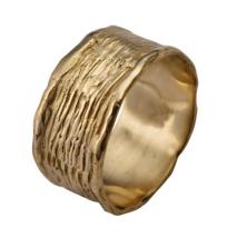 טבעת עם פסים