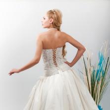 שמלת כלה עם מחוך איקסים