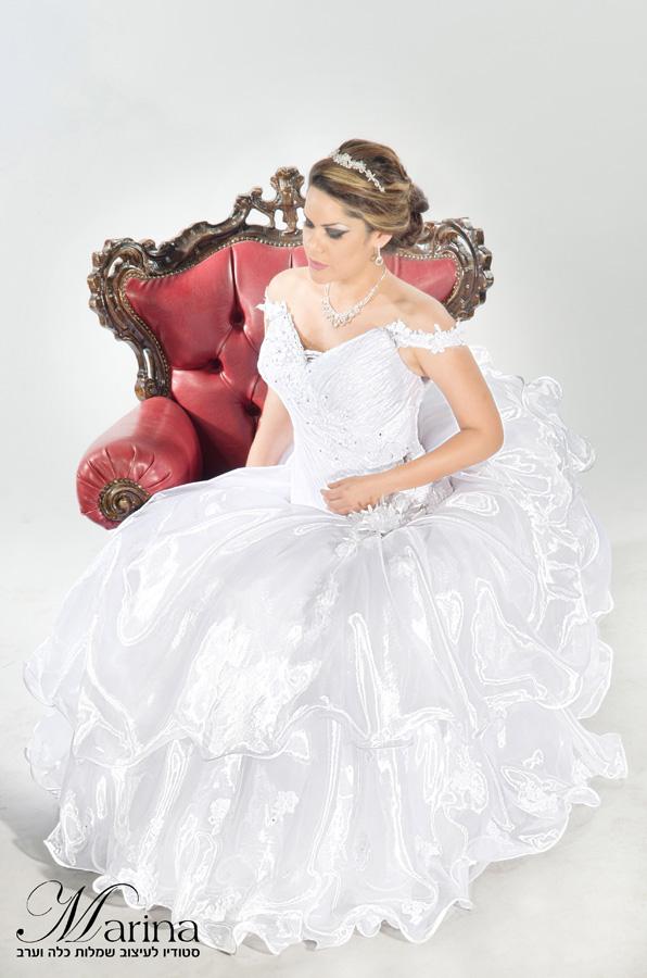 שמלת כלה כתפיות עם פרחים