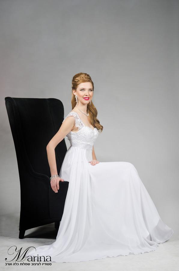 שמלת כלה עם כתפיות תחרה