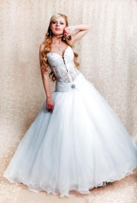 שמלת כלה מחוך שקוף
