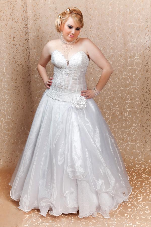 שמלת כלה עם גימור גלי
