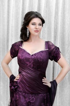 שמלת ערב תחרה ואבנים
