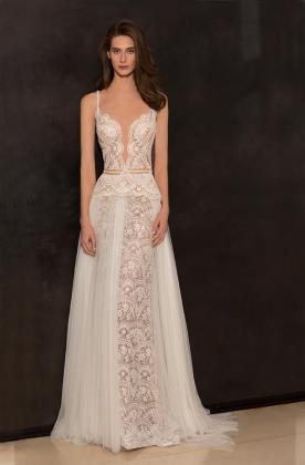 שמלת כלה עם תחרה ותוספת טול