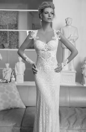 שמלת כלה עם תחרה עשירה