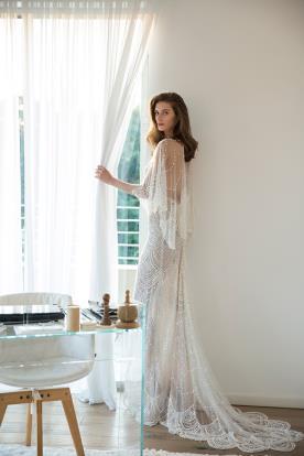 שמלת כלה נשפכת בשילוב חרוזים