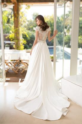 שמלת כלה של עמנואל בעיצוב נפוח