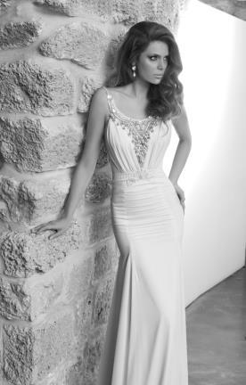 שמלת כלה עם מחשוף חרוזים
