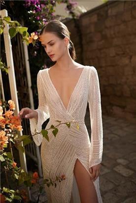 שמלות ערב עם גב חשוף