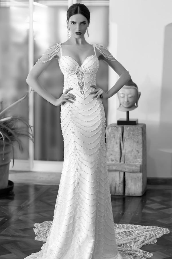 שמלת כלה עם אבנים