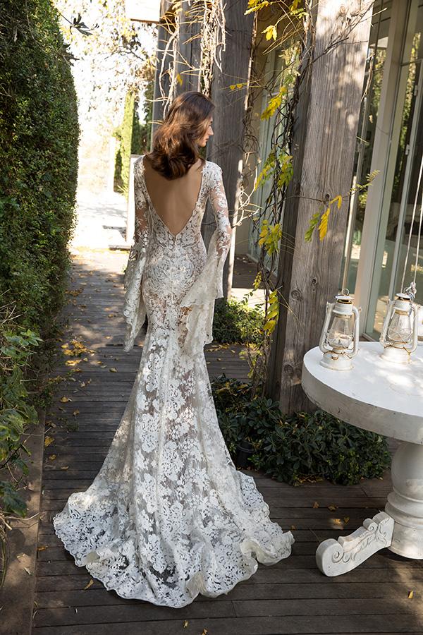 שמלת כלה גב חשוף ושרוול ארוך