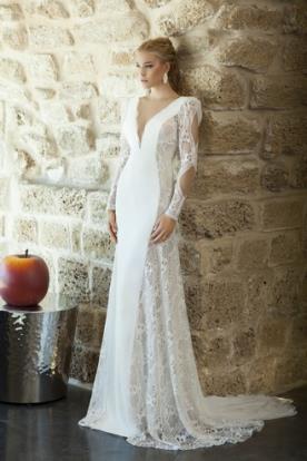 שמלת כלה עם שרוול ארוך ופתחים