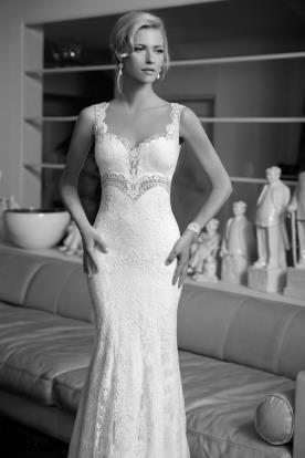 שמלת כלה עם חגורה מיוחדת