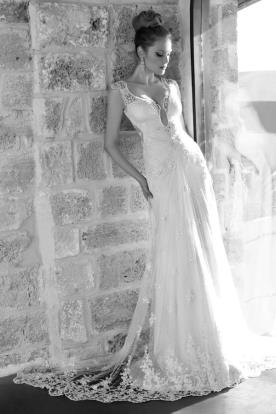 שמלת כלה עם תחרה שקופה ושיפון