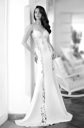 שמלת כלה בשילוב תחרה בצדדים