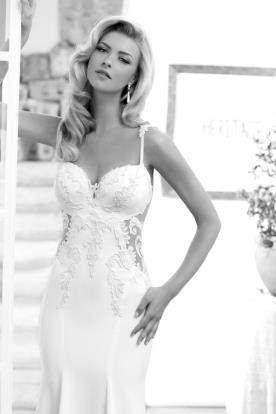 שמלת כלה עם תחרה עם שקופה
