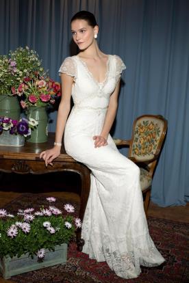 שמלת כלה עם שרוול תחרה קצר