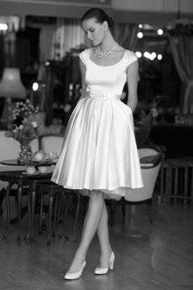 שמלת כלה מיני עם כיסים