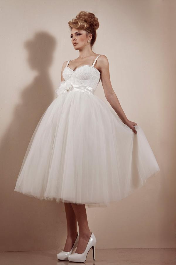 שמלת כלה עם מחוך מנצנץ וטול
