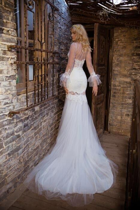 שמלת כלה עם מלמלה