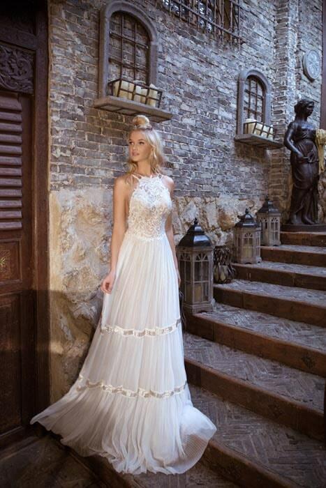 שמלת כלה  עם צווארון סגור