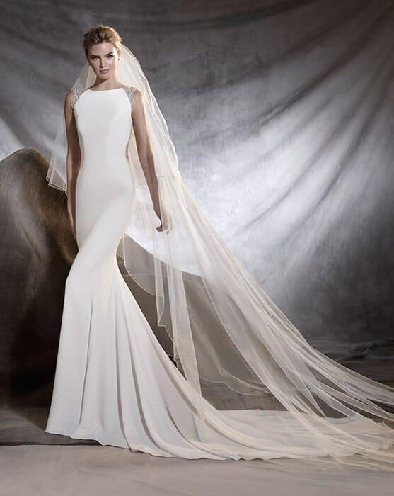 שמלת כלה עם כתפיות עבות