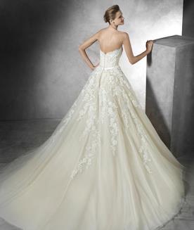 שמלת כלה רומנטית עדינה לכלה